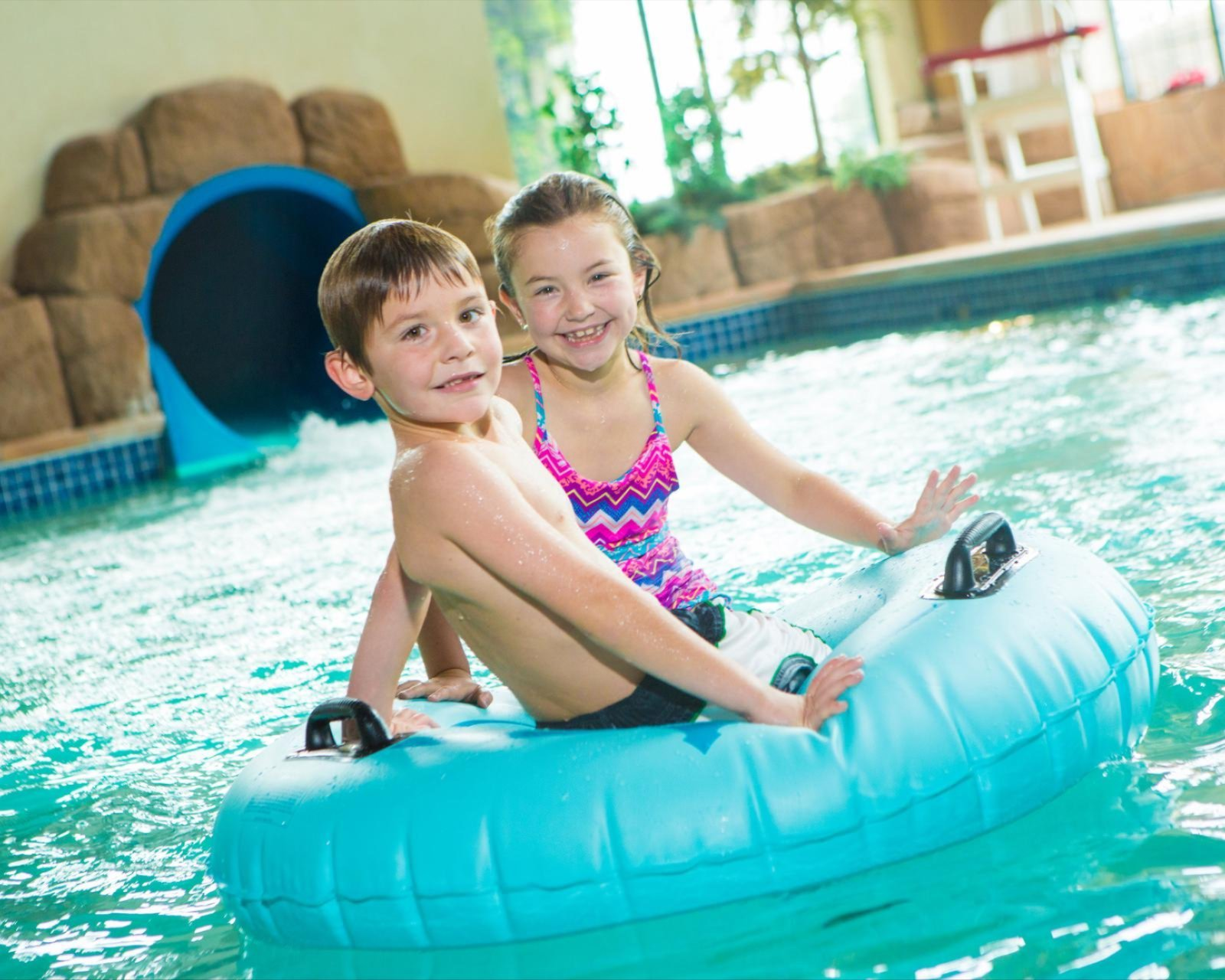 Waterpark fun for the kids at Tundra Lodge Resort and Waterpark