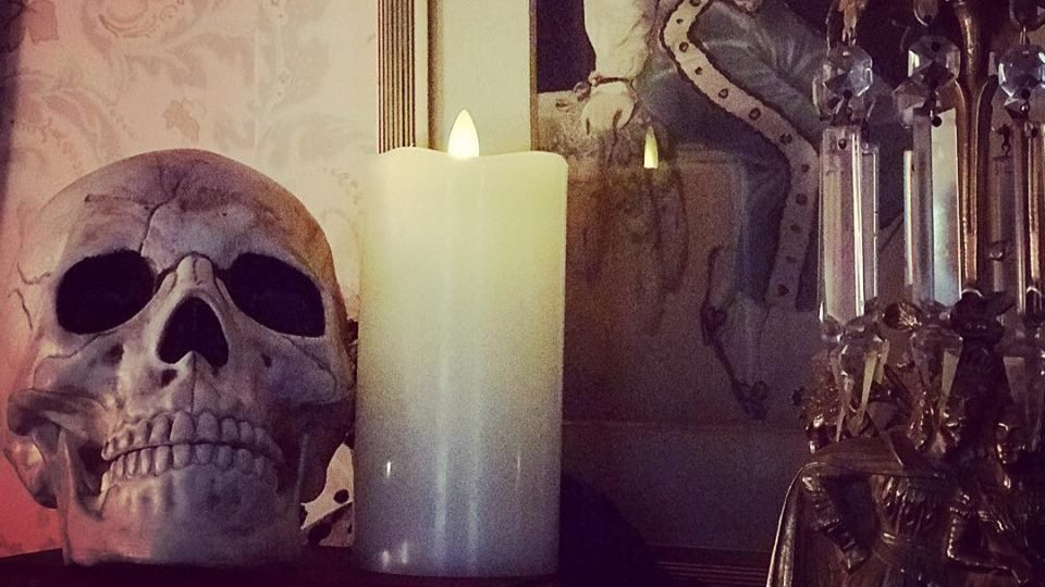 An Evening with the Dead at Hazelwood Historic House